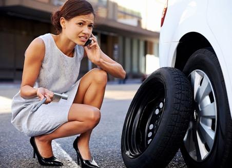 Когда спустило колеса в дороге