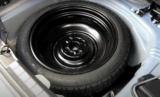 Полноразмерная запаска для легкового автомобиля